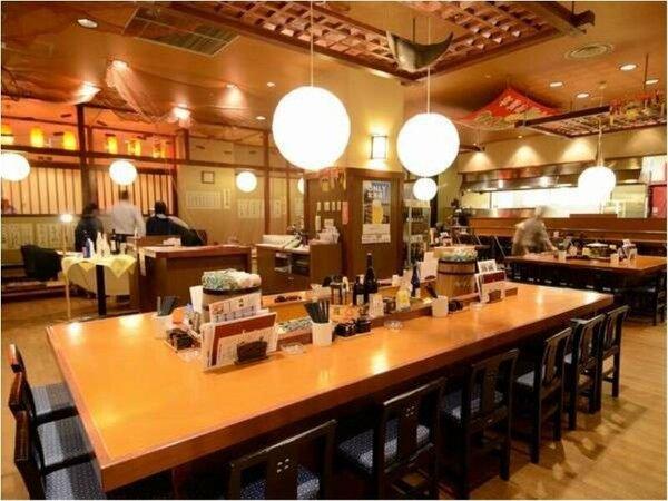居酒屋には個室の他、小上がり、カウンター、テーブル席等、人数、用途によって様々なスタイルの席をご用意