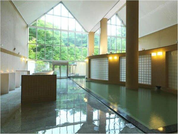 ◆大浴場/光あふれる高い天井の大浴場でゆっくりとお過ごしください
