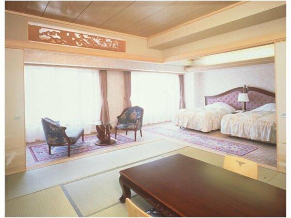 【新館和洋室】12帖のお座敷とツインのベッドが装備された広いお部屋です。