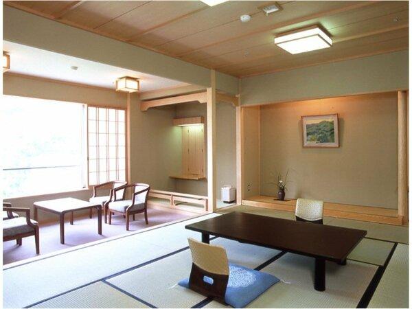 【南館客室(スタンダードタイプ)】リラックスできる居心地のよいお部屋です。