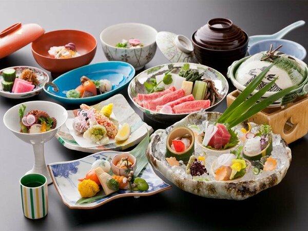 月光園の料理人が腕を奮い、懇切丁寧に作り上げる京会席料理の数々をご用意!