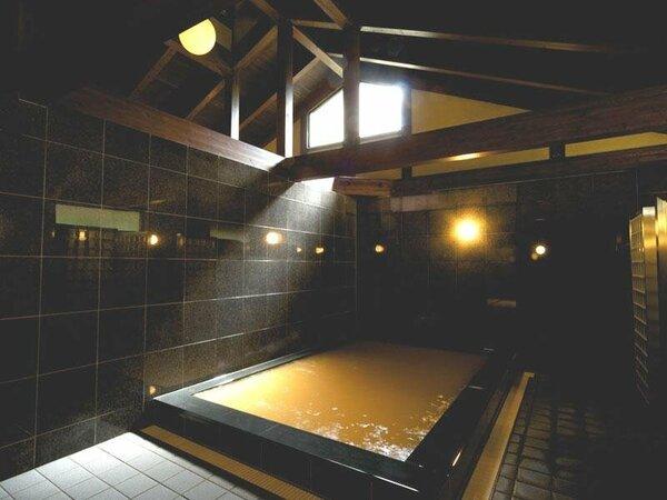 【有馬温泉】敷地内の温泉棟で有馬温泉ならではの「金泉」をお楽しみ下さい。