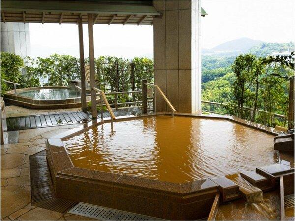【雲海:男性露天風呂】金泉を始め有馬のいで湯を多彩に楽しめます