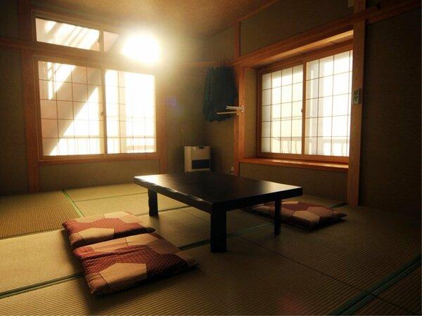 日の差し込める明るい客室