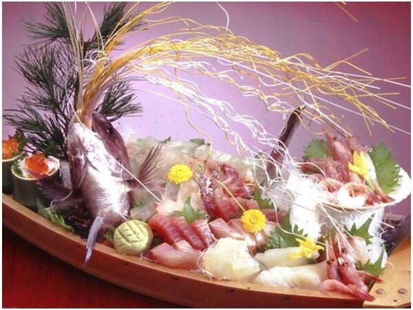 """和食を食べるなら、お魚は外せない!その日に漁港でとれた""""歯応え抜群""""の海の幸をお届けします◎"""