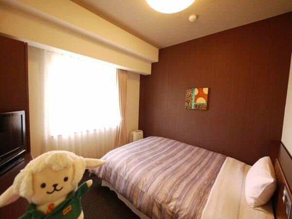 ベッド幅140センチと大人2名まで、余裕の寝心地です。 フロアは2階から7階のご案内になります。