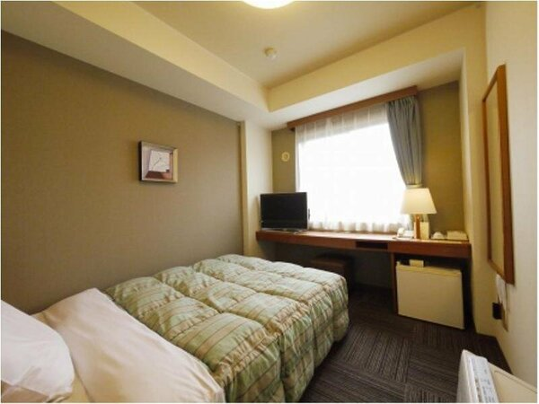 【シングルルーム】ベッドサイズ140×190(cm):無料Wi-Fi、加湿機能付空気清浄器、液晶TV完備!