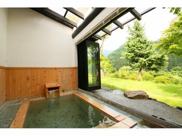 和室二間客室半露天風呂