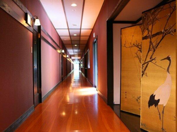 110メートルに及ぶ廊下