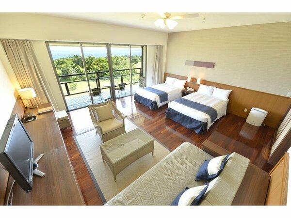 客室から八重山の海を眺められるオーシャンビュースーペリア