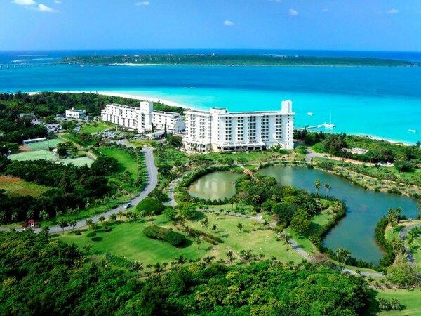 【全景】青い空と透き通る海に囲まれた豊かな自然に育まれた常夏の楽園リゾート
