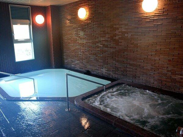 パンション弁慶の天然温泉・大浴場です。