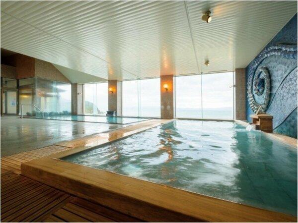 ★陸奥湾を見下ろす展望露天風呂