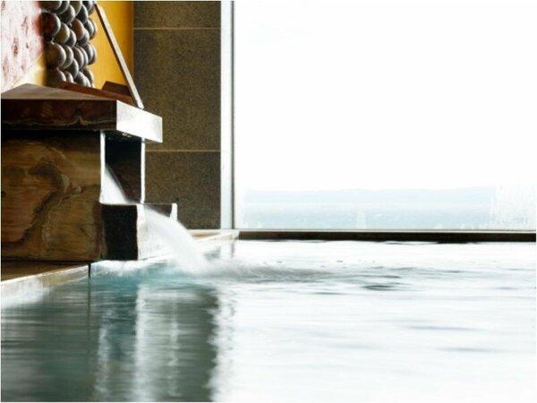 ★滔々と注がれる温泉は身体の芯まで温まります。