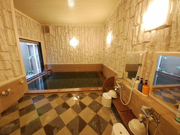 ラジウム人工温泉大浴場「旅人の湯」男女別 15:00~2:00 5:00~10:00
