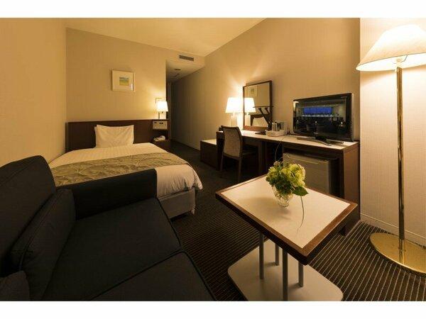 お部屋の広さ20、ベッド幅120のシングルーム