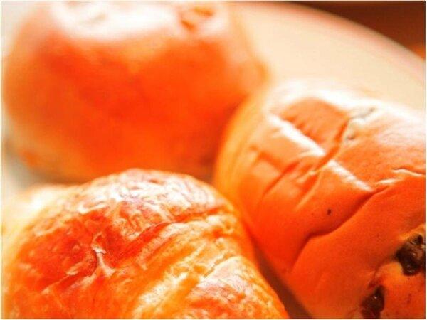 パンはヨーロッパ直輸入の厳選素材を使用したヨーロピアンブレッド