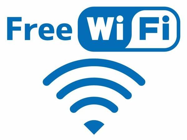 全館でWi-Fiが利用可。客室はTVがルーター機能を備えており、ストレスフリーで利用できます