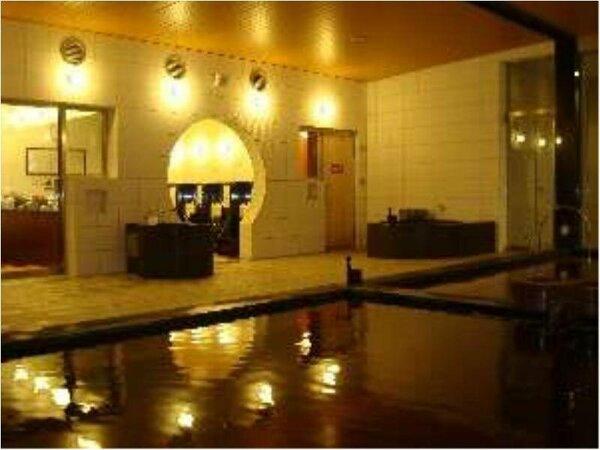 源泉42.6℃の古代海洋温泉です。温熱と美容に効果があります。