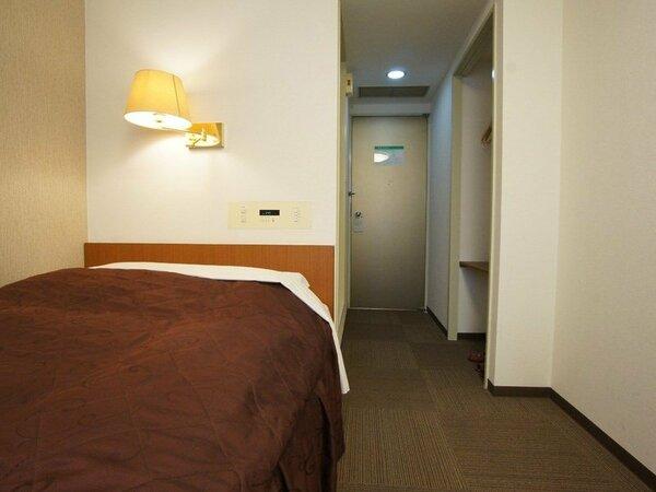 シングルルームB ベッド幅130cm 1台のベッドに2名様でご利用いただけます