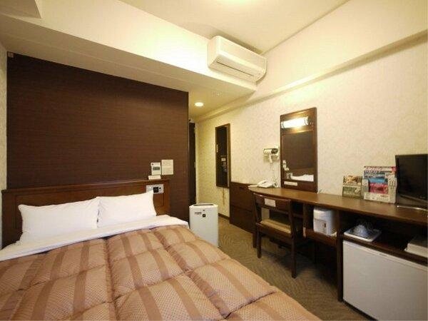 【セミダブル】ベッド140×196(cm) 液晶TV、無料Wi-Fi、加湿機能付空気清浄器完備