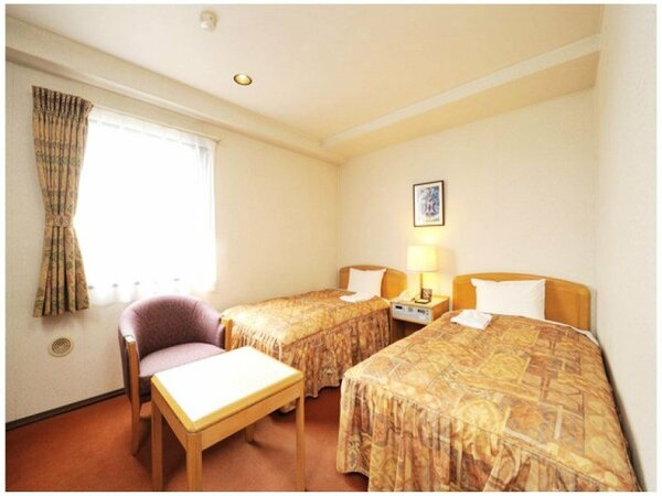 ベーシックなツインルームのお部屋。お部屋の広さは20です。