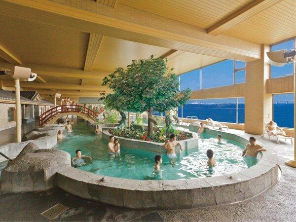 *【富士の湯:展望大浴場 内湯】開放感たっぷりの「はだかプール」♪