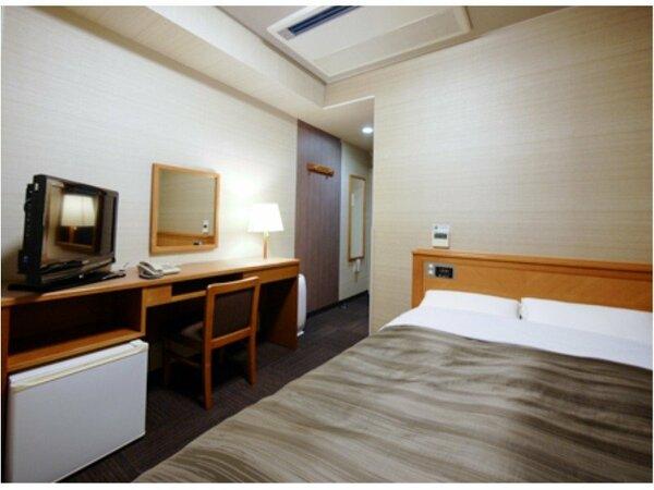 客室セミダブルルーム。リニューアルを行いました!全室無料Wi-Fi&加湿機能付空気清浄器完備