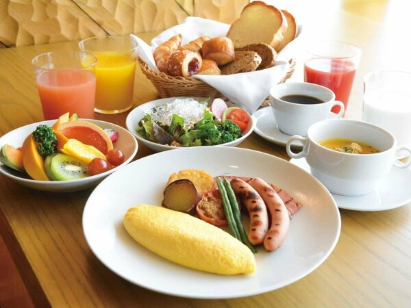 朝食ブッフェ休止中の為、洋食又は和食のセットメニューにて提供中。