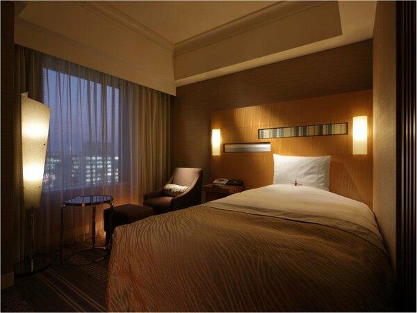 シングルルーム(22平米/禁煙)ベッド幅1220cm X 長さ1950cm ベッド1台