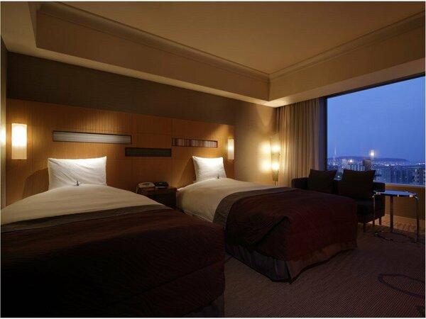 スーペリアツイン(30平米)ベッド幅1220cm X 長さ205cm ベッド2台