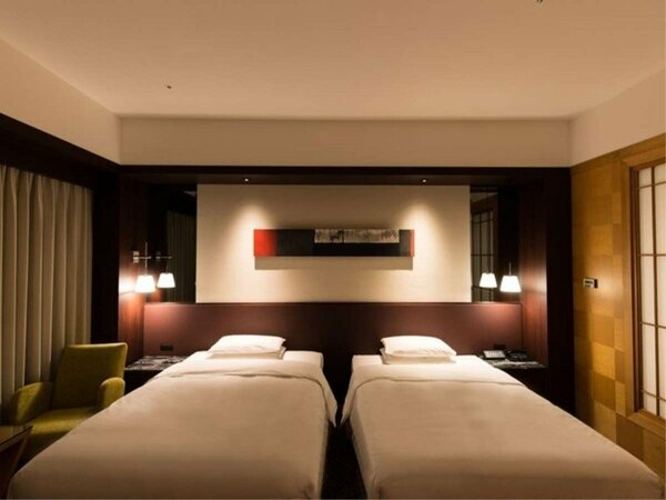 グランドツイン【34平米・ツイン】/ベッド2台を付けて、ファミリーでもご利用いただけます。