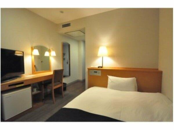 シングルルーム(ベッド幅120cm)◇全室インターネット接続無料◇全室デュベカバー完備◇