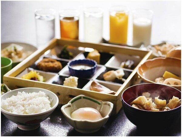 ◆朝食-和食膳-◆体に優しい味付けの朝ごはん♪ドリンクはお好きなものを、どうぞ!