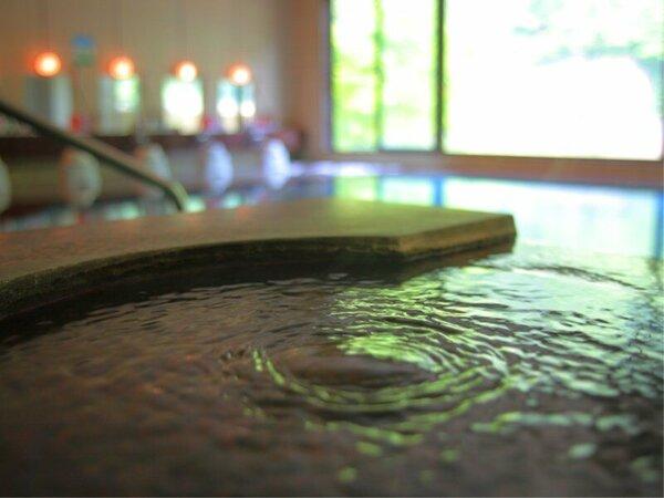 大浴場 【白鷺の湯】 ―こんこんと注がれる宇奈月温泉。―